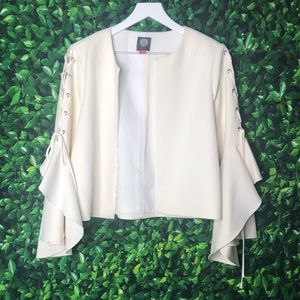 Vince Camuto Bell Sleeve Jacket Size 8 NWT